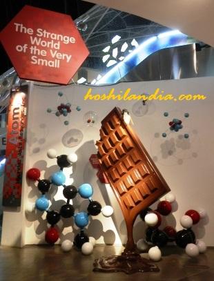 Giant Chocolate @ Atom Gallery