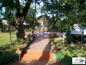 Paco Park Church bv Hoshilandia (2)
