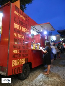 great-burger-food-truck-at-maginhawa-food-park-the-streat-by-hitokirihoshi